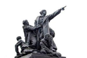 pamyatnik-generalu-efremovu